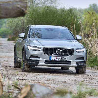 TEST Volvo V90 T6 AWD Cross Country Pro - High tech luxus