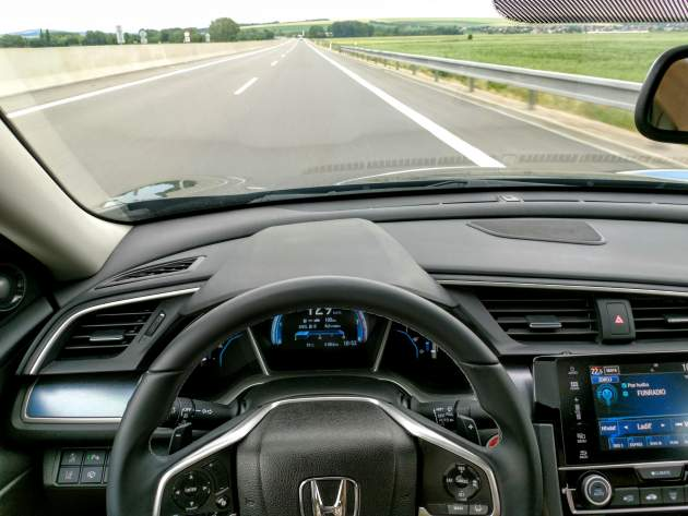 Test Honda Civic Sedan 1.5 VTEC TURBO CVT Executive 2017 (foto: Erik Stríž, redakcia Autoviny)