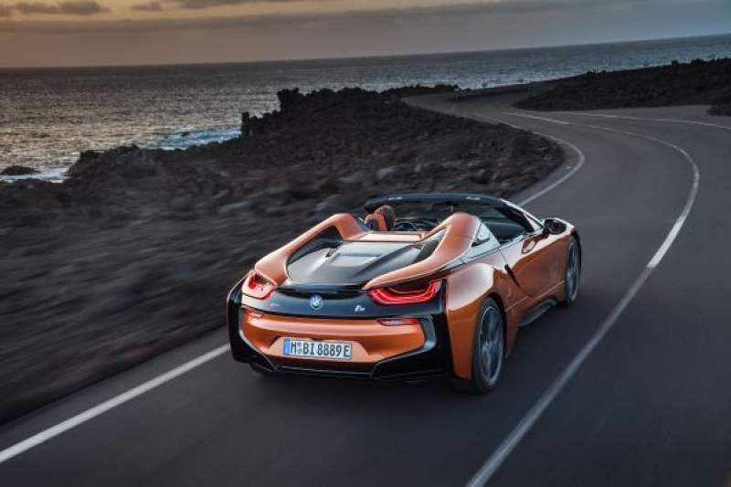 BMW i8 Coupe a BMW i8 Roadster 2018