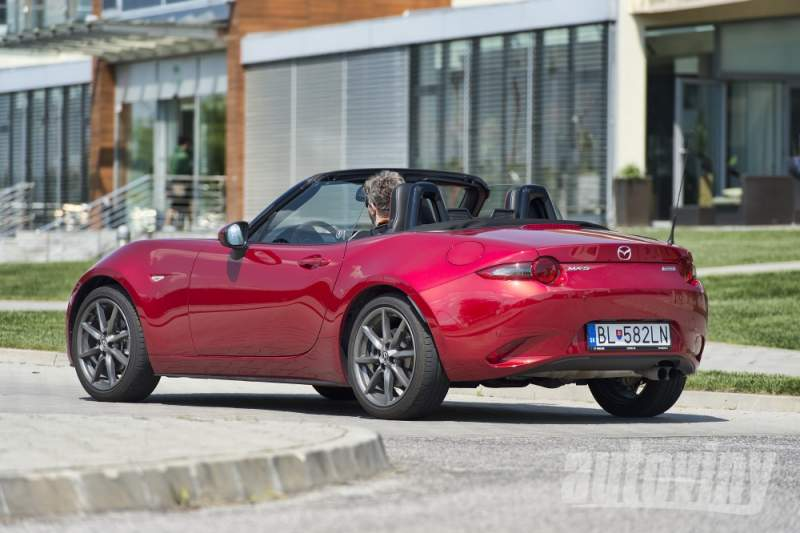 Mazda MX5: Vroom Vroom