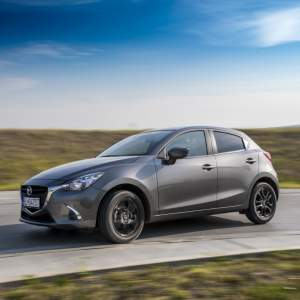 TEST: Mazda 2 1.5 Skyactiv G90 - Old School baby
