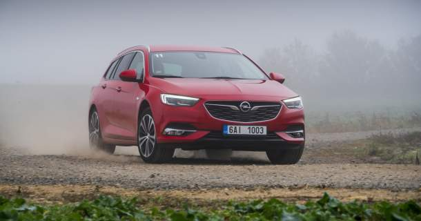 TEST: Opel Insignia Sports Tourer 1.5 TURBO Dynamic – Reklama na ticho